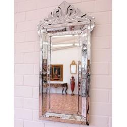 Oglinda venetiana cristal cu forma deosebita