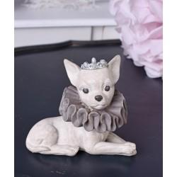 Statueta cu un caine Chihuahua