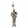 Armura gigantica argintie de cavaler medieval cu lance
