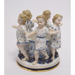 Grup cinci fetite din portelan alb cu albastru