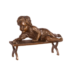 Baietel -statueta din bronz pe un soclu din marmura