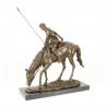 Soldat calare- statueta din bronz pe un soclu din marmura