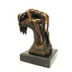Nud adormit- statueta din bronz pe un soclu din marmura