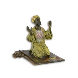 Arab rugandu-se- statueta vieneza din bronz masiv