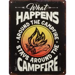 Decoratiune din metal cu o reclama la camping