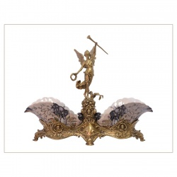 Fructiera din portelan cu Victoria din bronz