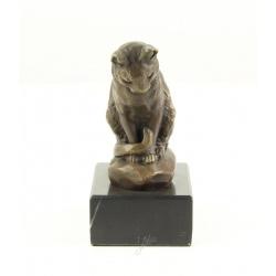Pisicuta sezand-statueta din bronz pe un soclu din marmura