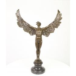 Ziua inaripata-statueta din bronz pe un soclu din marmura