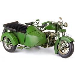 Model de motocicleta verde