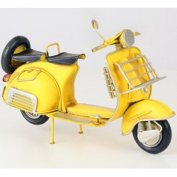 Model de scuter italian galben