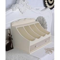 Dulap pentru tacamuri din lemn masiv alb cu bej