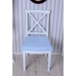 Scaun rustic alb din lemn masiv cu sezutul in dungi
