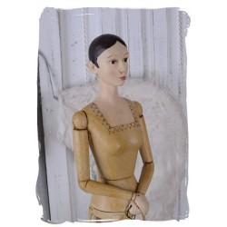 Decoratiune din rasini cu o femeie