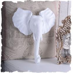 Decoratiune de perete cu un elefant