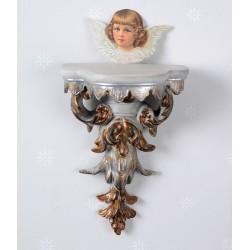 Consola argintie cu diverse decoratiuni