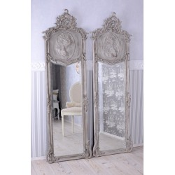 Oglinda Judgenstill din cristal cu o rama gri