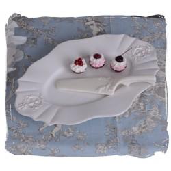 Platou tort din portelan alb antichizat
