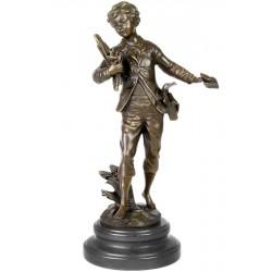 Student-statueta din bronz pe un soclu din marmura