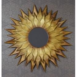 Oglinda soare cu o rama aurie