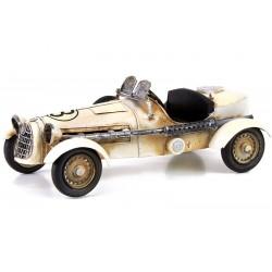 Model de masinuta de curse de epoca
