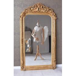 Oglinda baroc din cristal cu o rama aurie antichizata cu decoratiuni