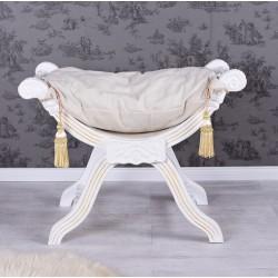 Scaunel turcesc din lemn alb cu tapiterie grej