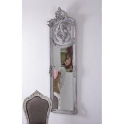 Oglinda Jugenstill cu o rama gri deschis cu o femeie