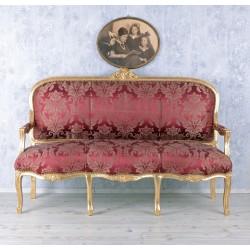 Sofa trei locuri din lemn masiv auriu cu tapiterie rosie